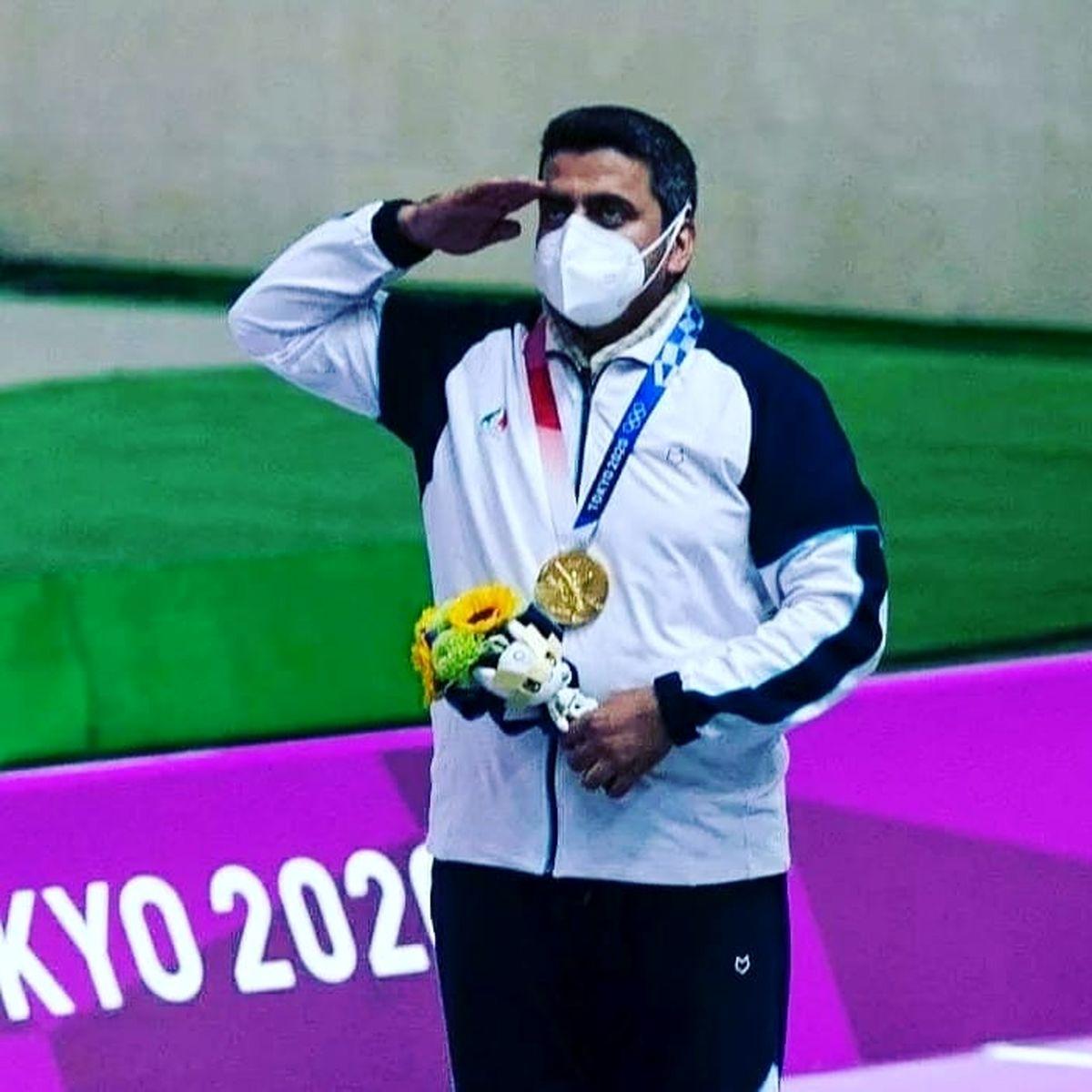 جواد فروغی قهرمان المپیک و خانواده اش + عکس