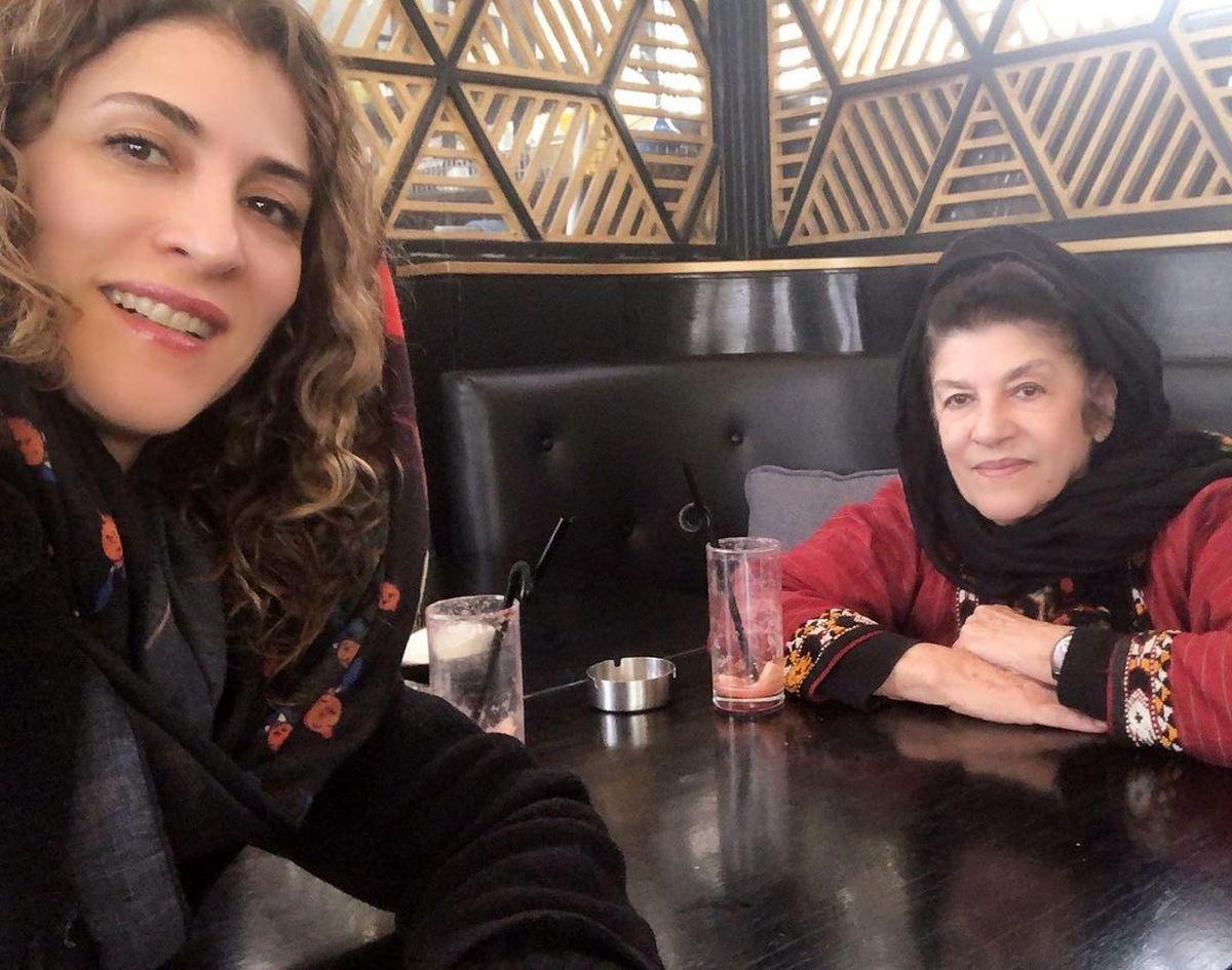 ویشکا آسایش و مادرش در کافه+عکس دیده نشده